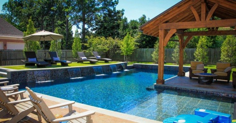 jardin piscina caseta madera terraza