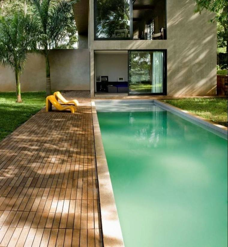 jardin piscina muebles diseno amarillos suelo madera ideas