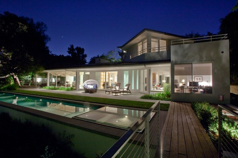 jardin piscina puente madera porche