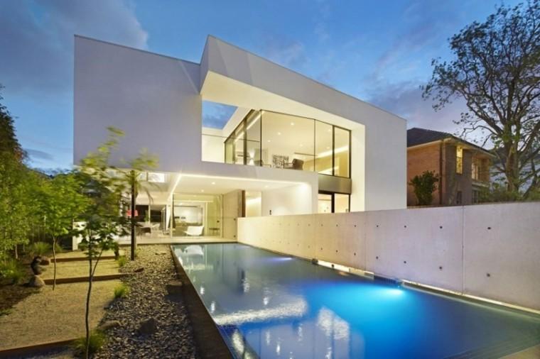 jardin valla alta piscina fondo iluminado ideas