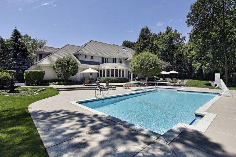 jardines casas grandes piscinas tumbonas sombrillas ideas