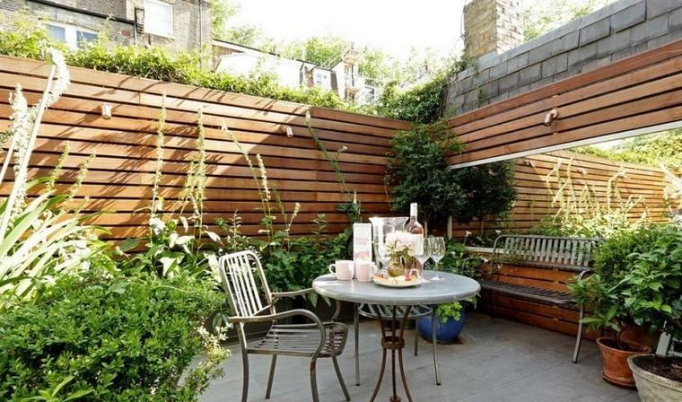 Ideas creativas jardines peque os muy modernos for Paredes de madera para jardin