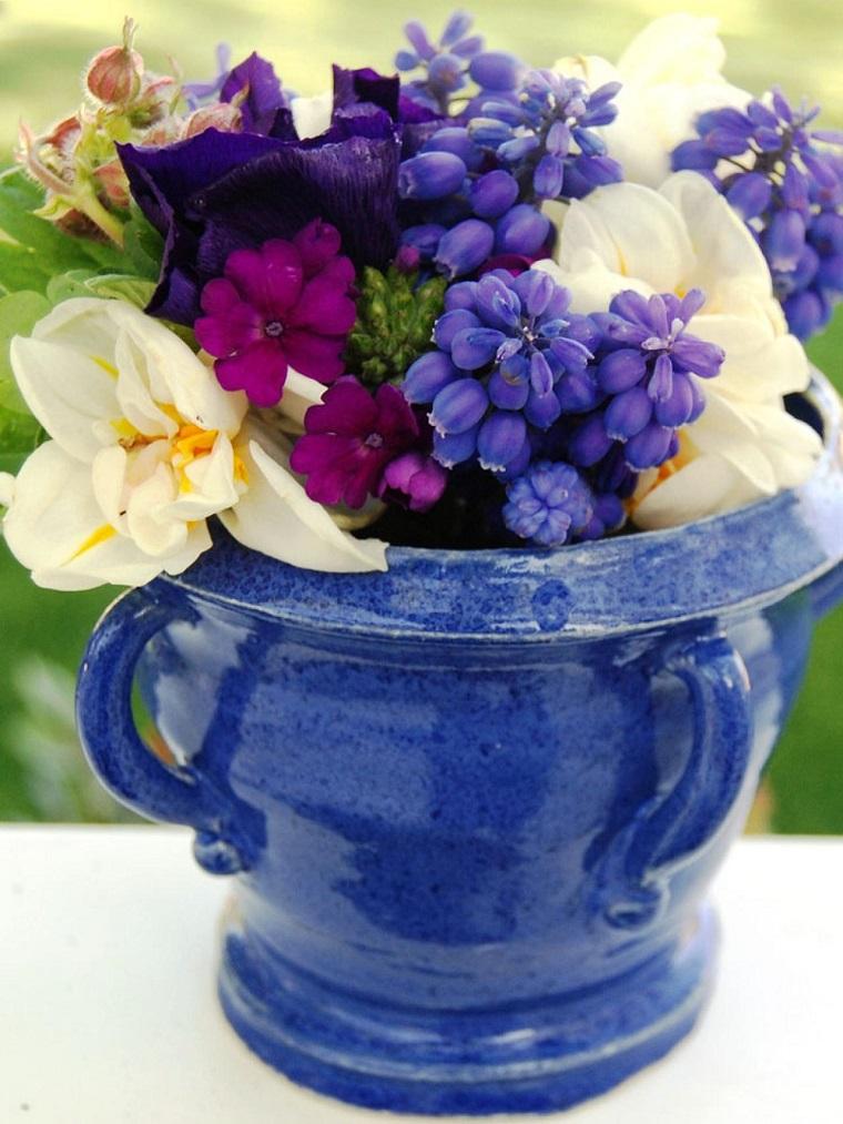 jarron bonito azul flores purpura ideas