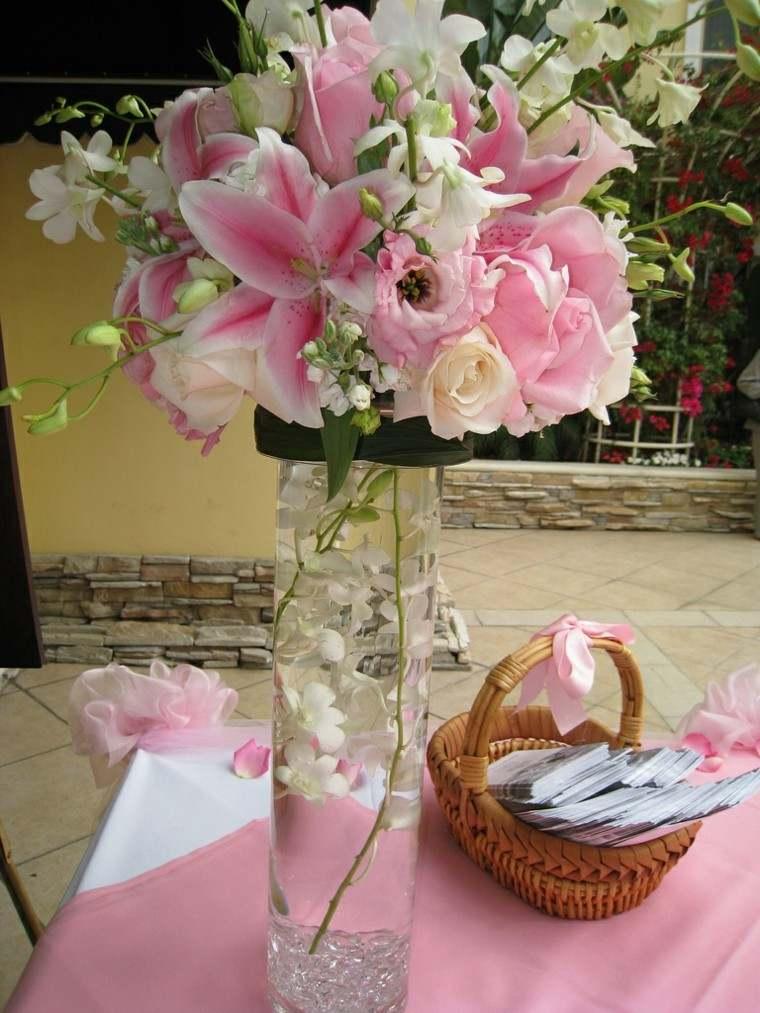 jarron rosa mantel flores cesta