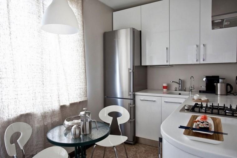 juegos de cocina pequenas sillas blancas armarios blancos ideas