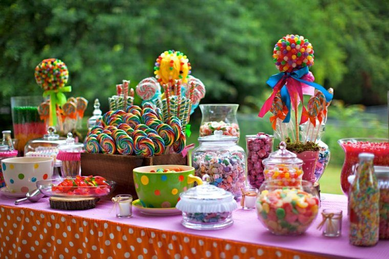 la mesa caramelos colores mantel lunares