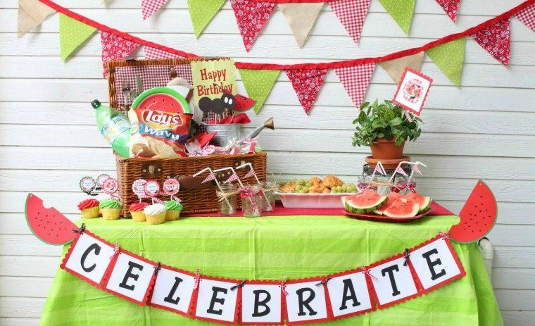 la mesa decoracion frutas verano verde
