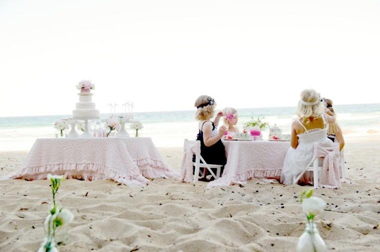 la mesa mar ninas celebracion playa