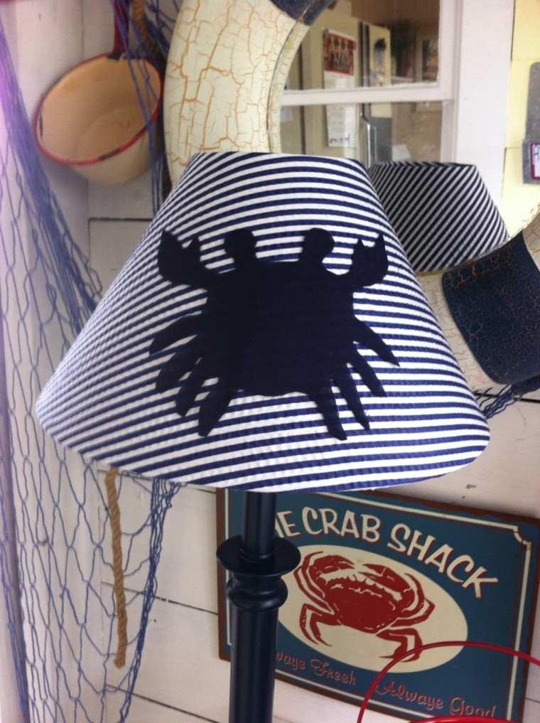 lampara pie cangrejo rayas blanco azul ideas