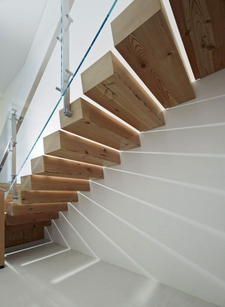 led casa madera ingeniosa escalera solida