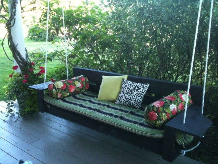 madera negro sofa jardin floreado