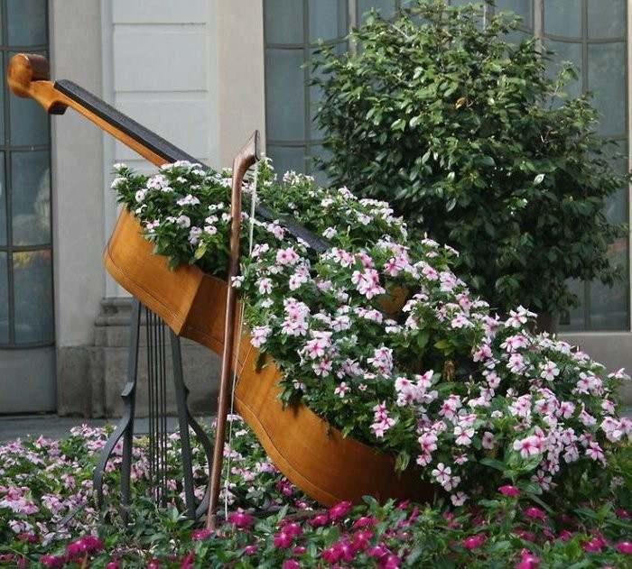 manualidades faciles cello jardinera