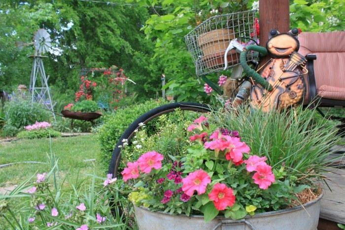 Manualidades faciles c mo hacer jardineras originales for Decoracion de jardines pequenos con flores