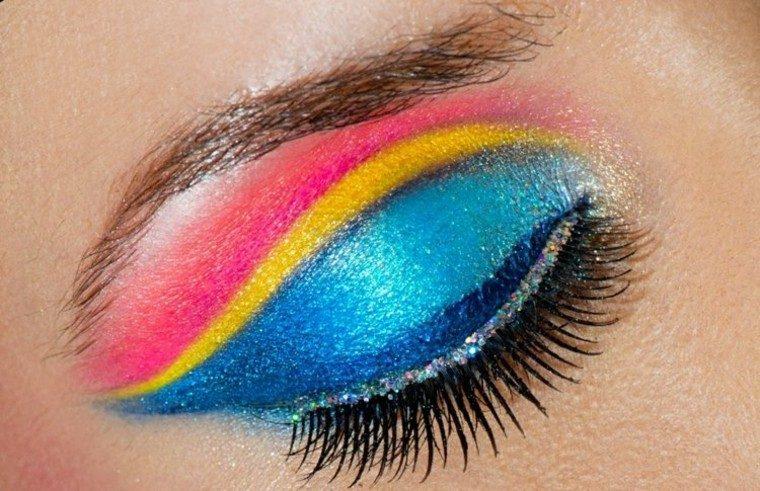 maquillaje de ojos soleado detalle arcoiris