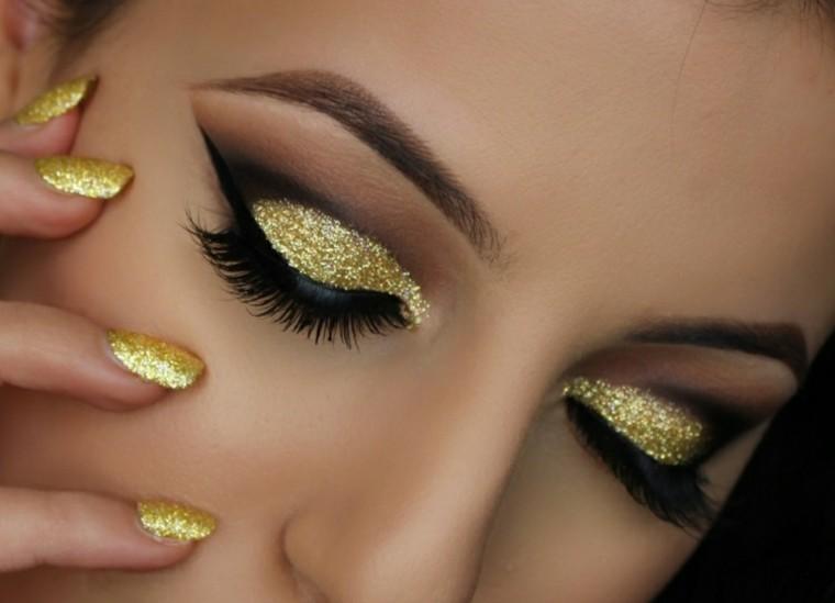 maquillaje de ojos uas dorado estilo