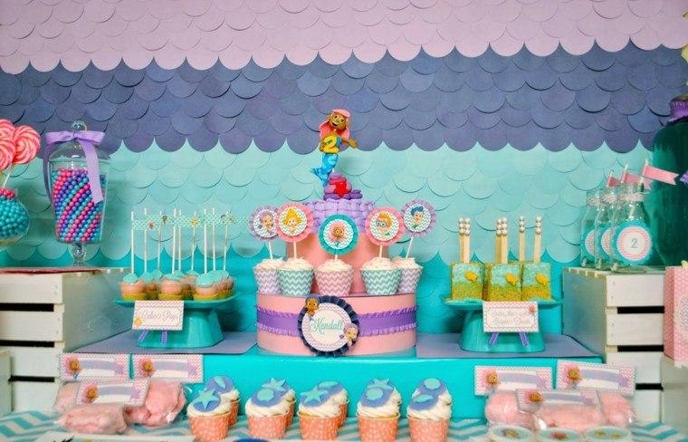 marino sirenita nadando torta playa