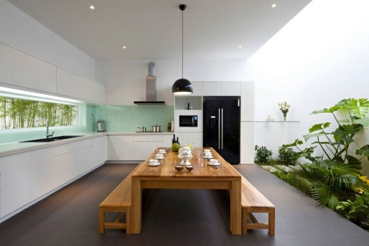 mesa exterior madera jardin interior
