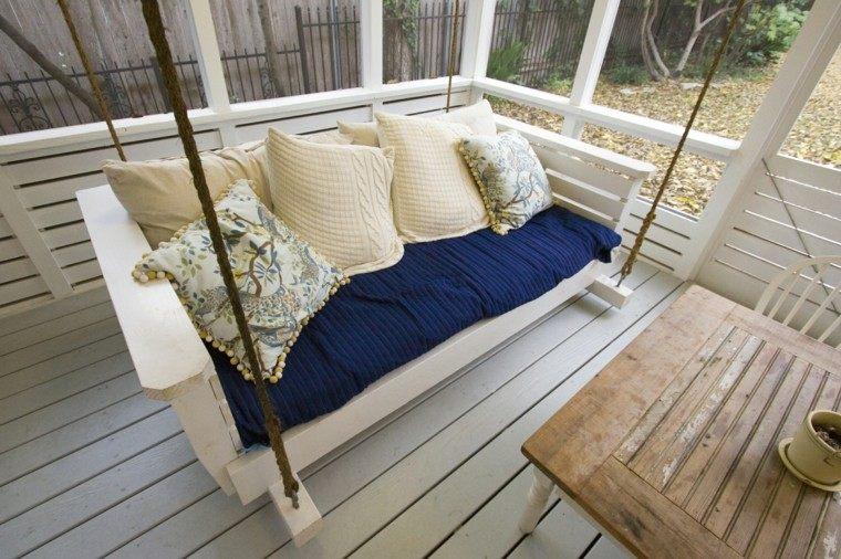 mobiliario azul intenso cuerdas cojines