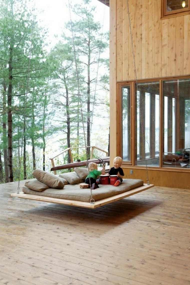 mobiliario terraza almohadones niños pinos