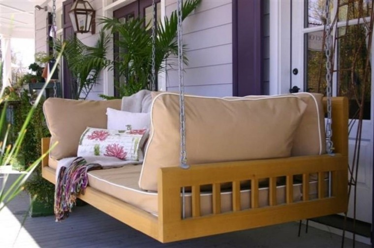 mobiliario terraza lamparas sofa palmeras