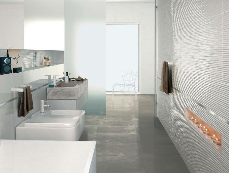 modelo azulejos blancos lumia baño