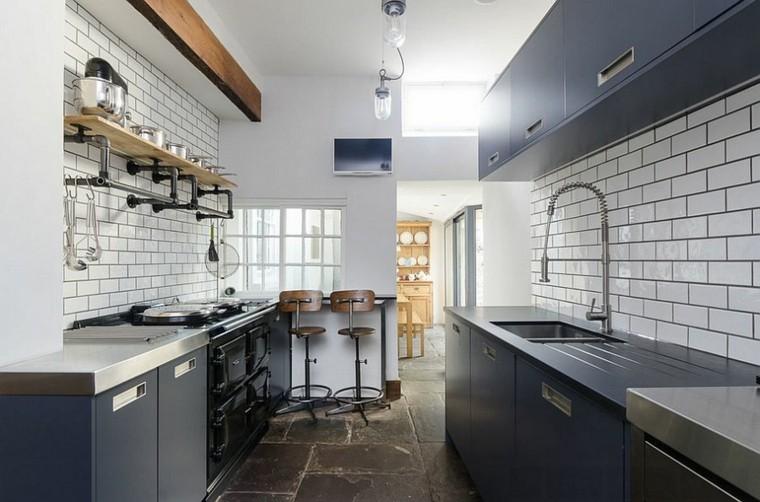 muebles azul oscuro estilo industrial cocina ideas