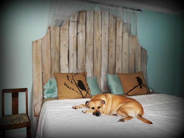 muebles baratos diy perro dormitorio cabecera