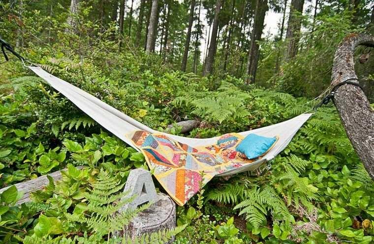 muebles de jardín hamacas colcha colores vibrantes ideas