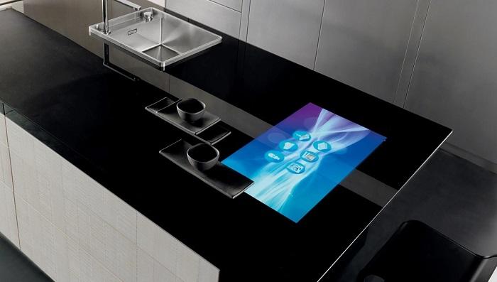 pantalla encimera cocina futurista