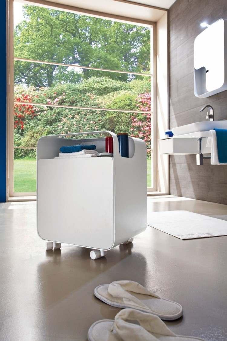 pantuflas mesa rueda toallas mueble
