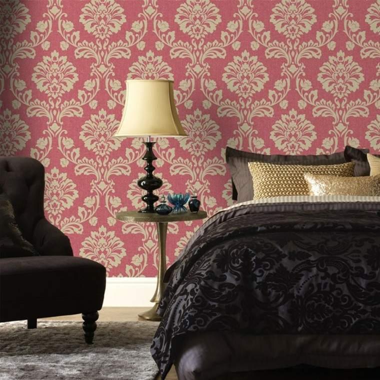papel pared rojo dormitorio lamapara butaca ideas