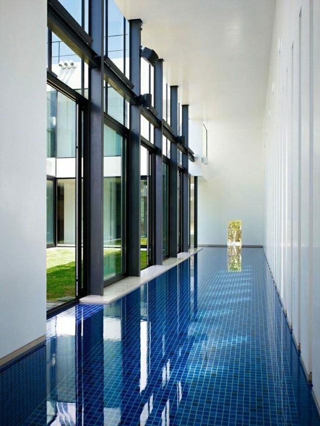 pasillo piscina cubierta mosaico suelo