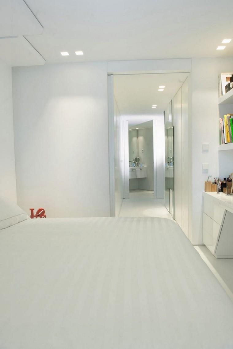 pasillo vista cuarto baño vestidor