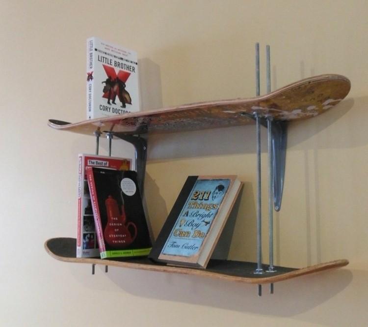 patinetas creativo espacio estante libros