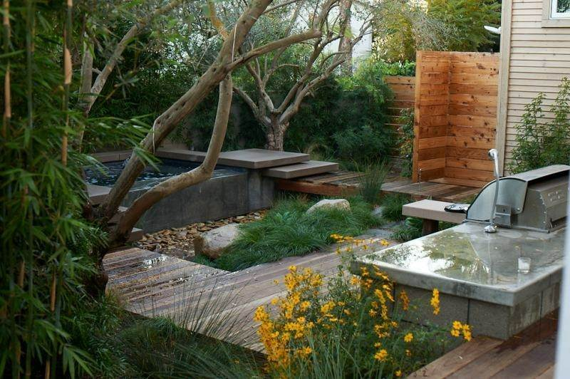 patio moderno plantas jacuzzi plataforma