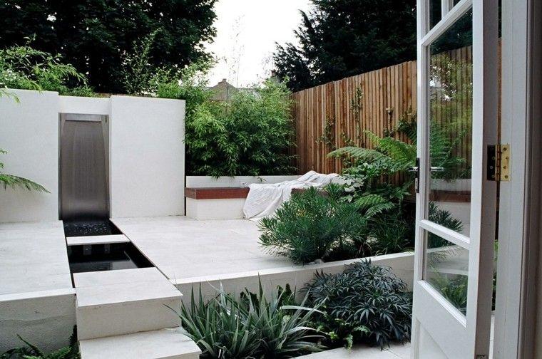 patio terraza fuente cascada moderna