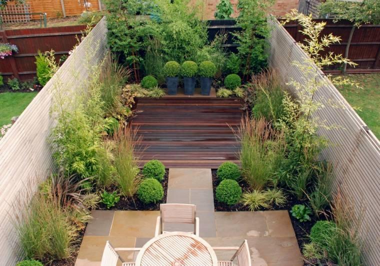 pequeño jardin plataforma madera mesa