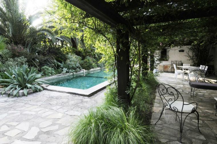 Piscinas jardines e ideas para el relax sin l mites - Pergolas de forja ...