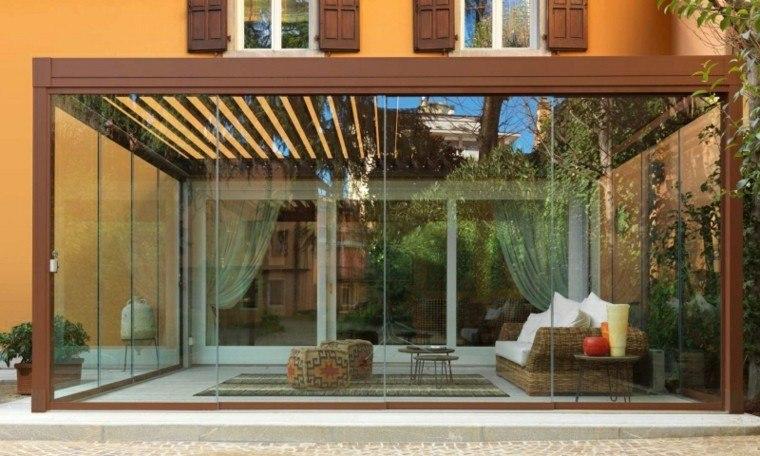 Toldos p rgolas y persianas para protegerte del sol - Puertas de madera para jardin ...