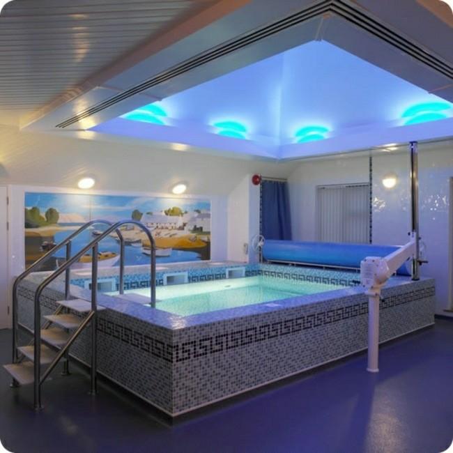 Construccion de piscinas en el jard n 103 ideas for Como hacer una piscina climatizada