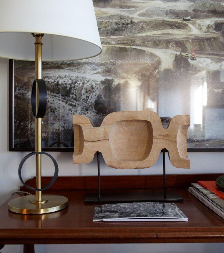escultura madera forma caramelo hueco