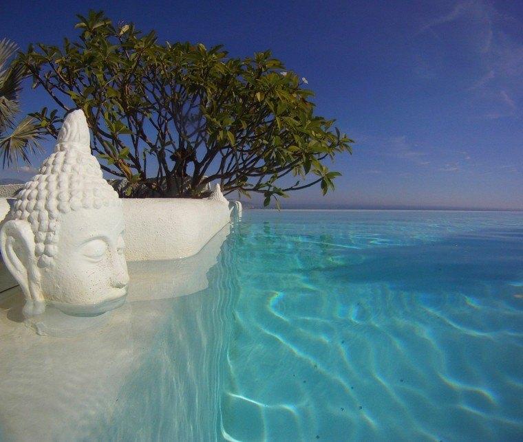 piscina infinita cabeza buda paraiso