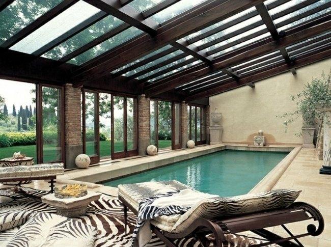 Construccion de piscinas en el jard n 103 ideas - Techo piscina cubierta ...