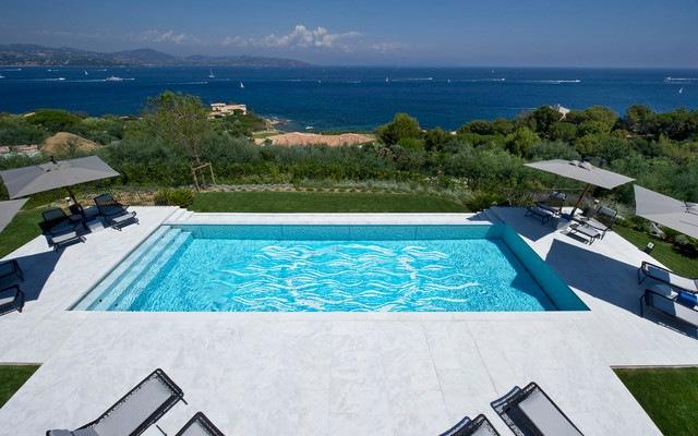 piscina-diseno-comtemporaneo-estilo-moderno