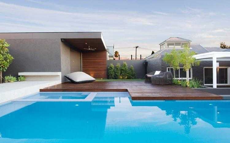 piscina grande plataforma madera teca