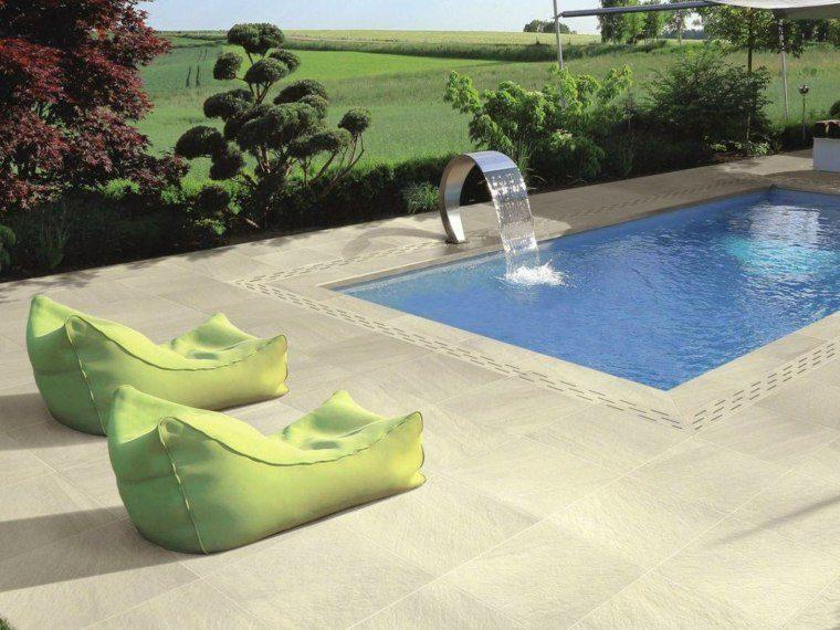 piscina jardin suelo precioso cojines verdes ideas