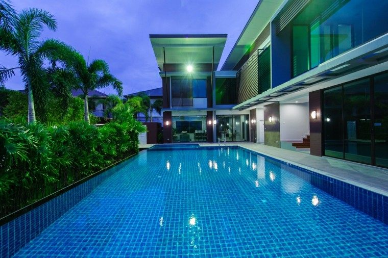 piscina moderna grande jardin plantas estilo tropical ideas