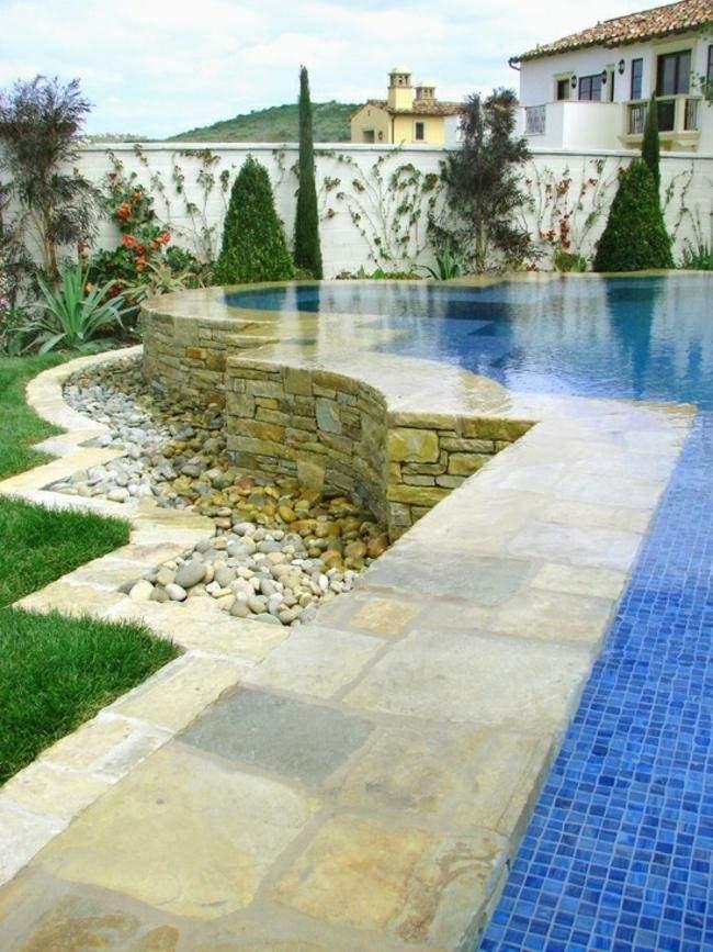 piscina mosaico color azul