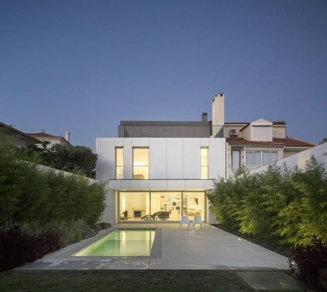 piscina pequeña estilo moderno rectangular
