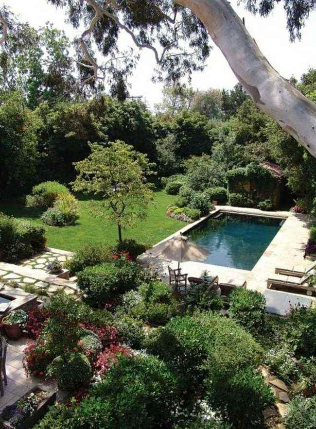 piscina pequeña estilo clasico jardin